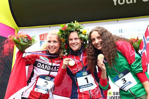 JWOC. Спринт. Heidi Martensson NOR (1), Nicoline Friberg Klysner DEN (2), Анастасия Денисова BLR (3)
